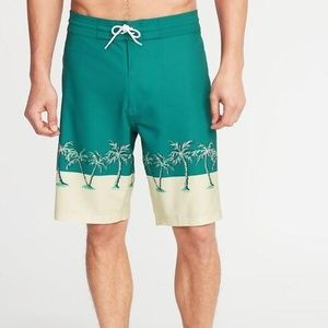 Old Navy Built-In Flex Board Shorts for Men New